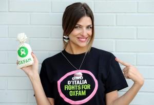 Cristina Chiabotto per Oxfam al Giro d'Italia
