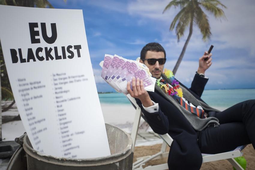 Flash mob di Oxfam contro i paradisi fiscali